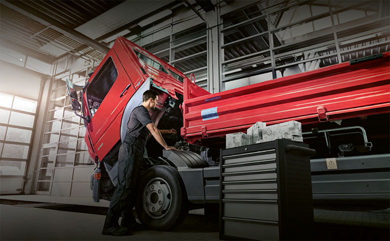Sichern Sie sich für Ihren LKW-Stern bis zum 31. August 2021 original Mercedes-Benz Teile und Service-Angebote zum Aktionspreis