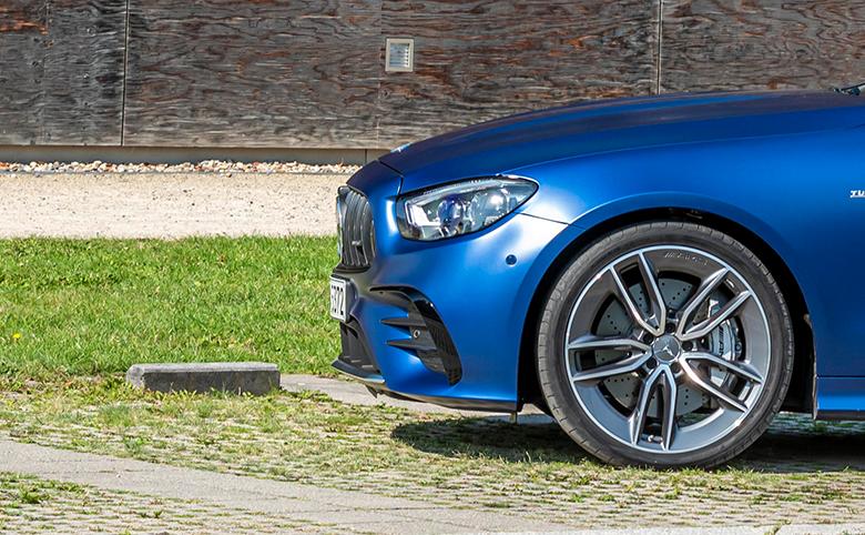 Premium-Reifenpartner für Sie und Ihren Stern: Jetzt Gutscheinheft sichern!